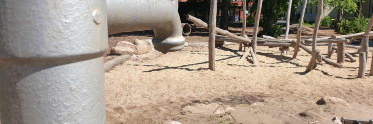 Außengelände Wasserpumpe